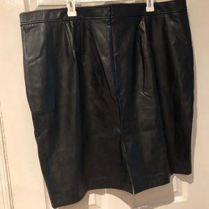 EUC Faux leather skirt